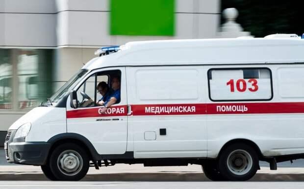 «Тойота» врезалась в «Рено» на Митинской