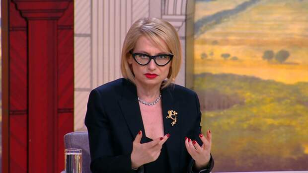 """Эксперт """"Модного приговора"""" Хромченко назвала модные оттенки летнего гардероба"""