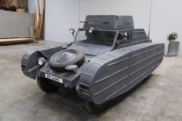 Фальшивый, правда, но кого это беспокоит, если его выставили на американском сайте e-Bay, на продажу, и назначили цену, как у бюджетного легкового автомобиля. volkswagen, военная техника, найдено на ebay, танк