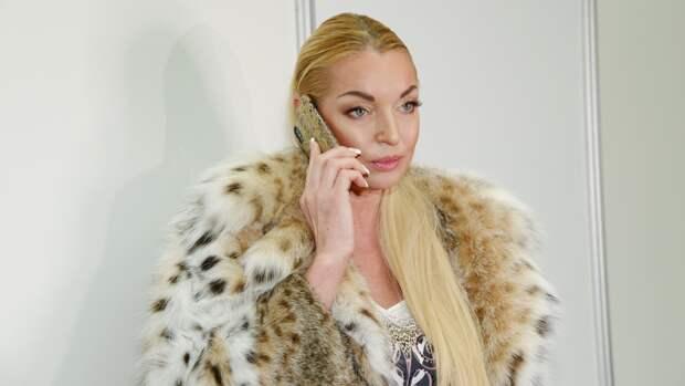 Волочкова рассказала ФАН, во что превратилась ее квартира из-за протечек крыши