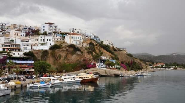 Власти Греции продлили до 21 июня правила въезда в страну