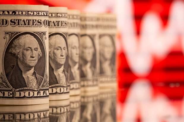 Американцы печатают доллары триллионами. Из-за этого цены растут во всем мире