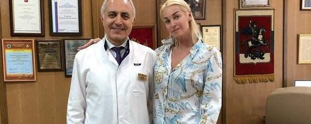 Анастасия Волочкова попала в больницу с упадком сил и истощением