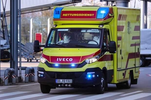 Девять человек погибли в результате крушения фуникулера в Италии
