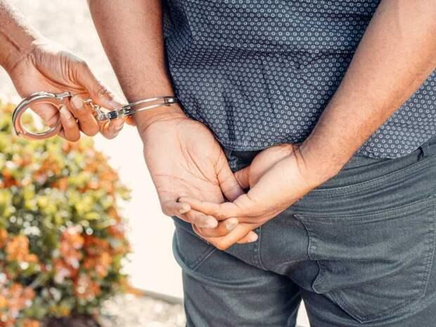 Россиянка провела ночь с грабителем, а затем на утро вызвала полицию
