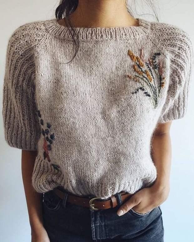 Как превратить свитер в дизайнерскую вещь при помощи вышивки