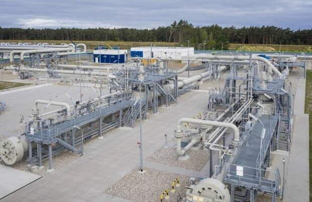 Назло Европе: «Газпром» усиленно заполняет свои европейские ПХГ