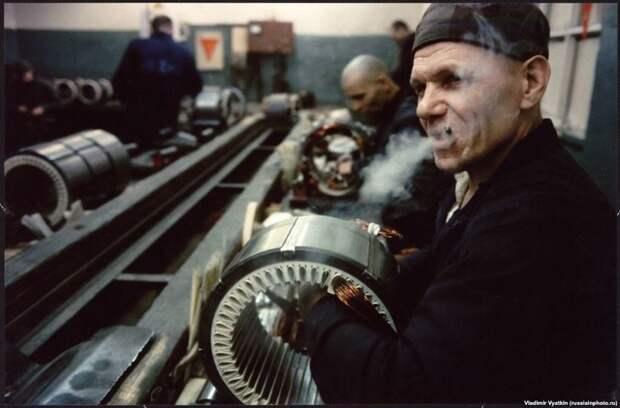 Заключенный в колонии во Владимире, 1990 год. 90-е, СССР, фото