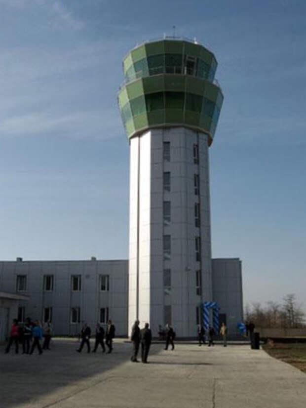 В 2012 году в Симферополе построили новую башню аэронавигации
