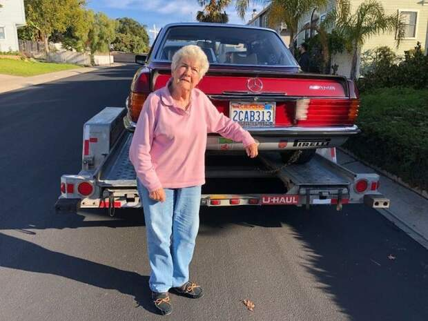 Пенсионерка продала купе Mercedes 450 SLC AMG, которым ...