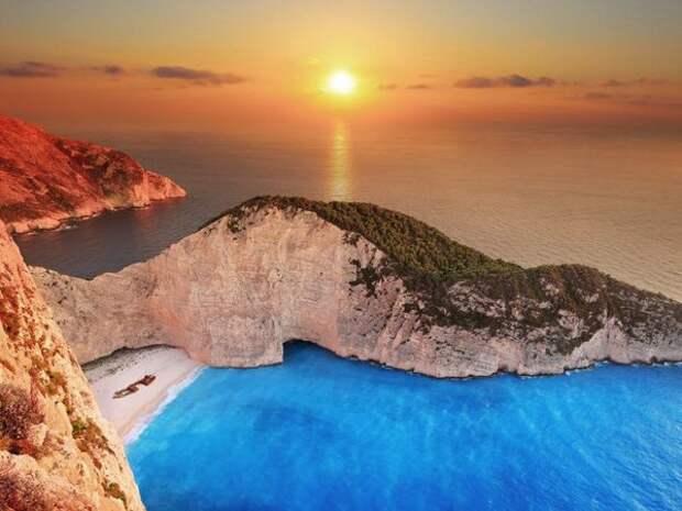 Бухта Навагио — райское место, где отдыхали греческие боги