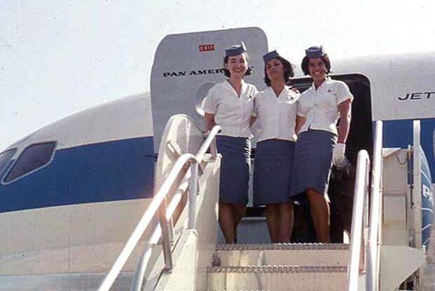 Стюардессы, 60, 70
