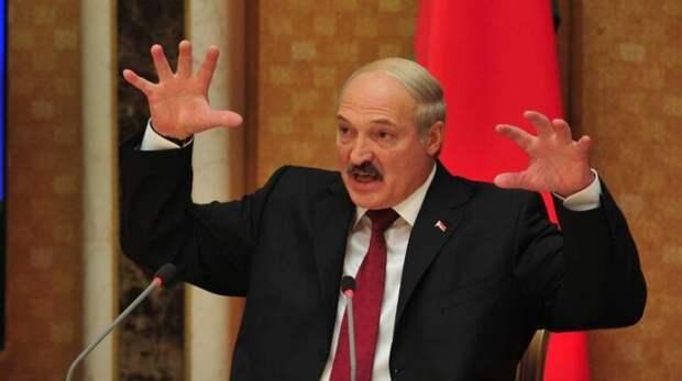 """Белоруссия станет полем битвы: Лукашенко предупредил о """"войнушке"""""""