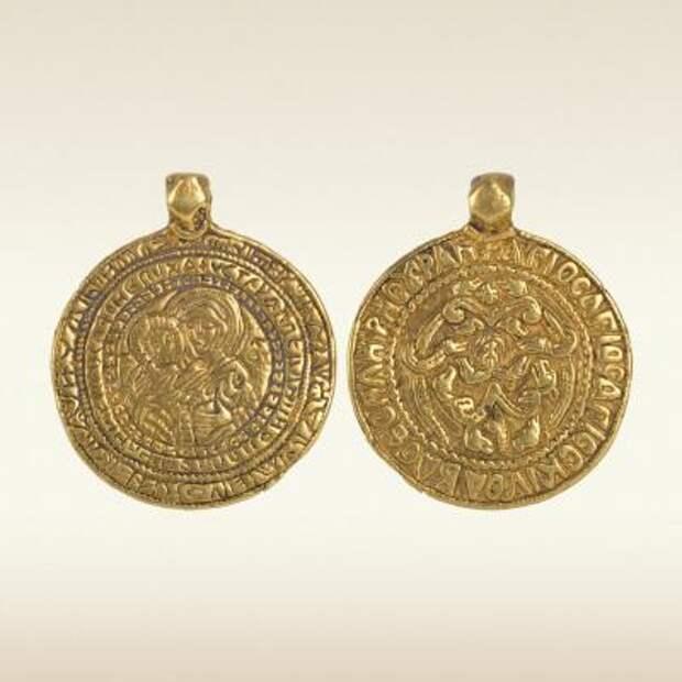 Золотой змеевик «Смоленская гривна». XII век
