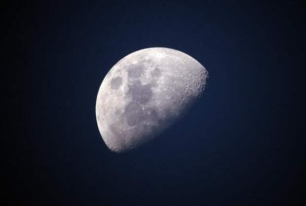 Ученые из ЦЕРН предложили возвести гигантский коллайдер на Луне
