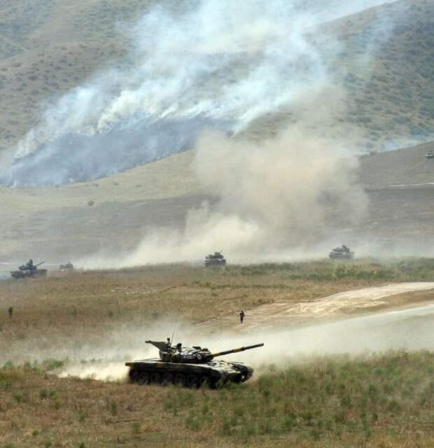 О всеобщей мобилизации вслед за главой Карабаха объявил и президент Армении
