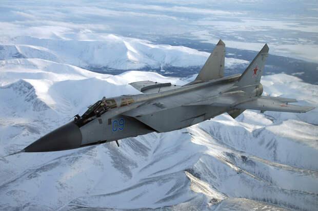 Истребители МиГ-31БМ заступили на боевое дежурство на архипелаге Новая Земля