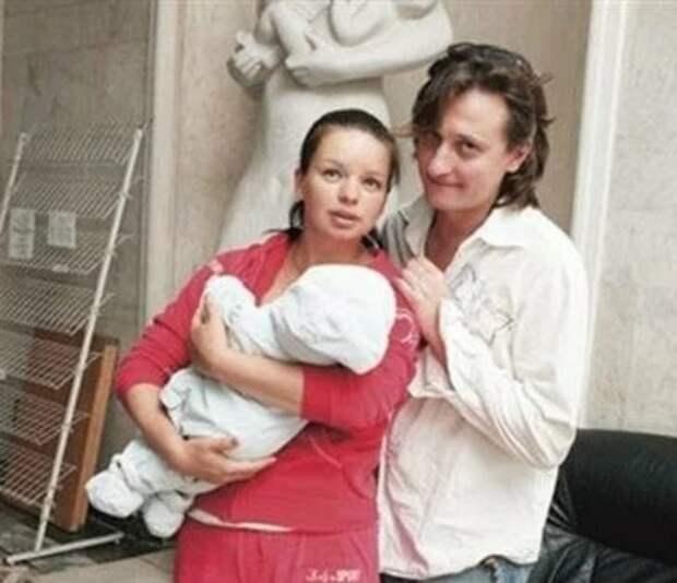 Алиса Гребенщикова показала 13-летнего сына, отцом которого считают Илью Авербуха