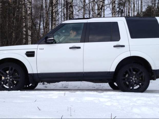 Видеообзор Land Rover Discovery 4: вес имеет значение