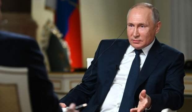 Михеев пояснил, с чем могла быть связана провокация британцев в Черном море