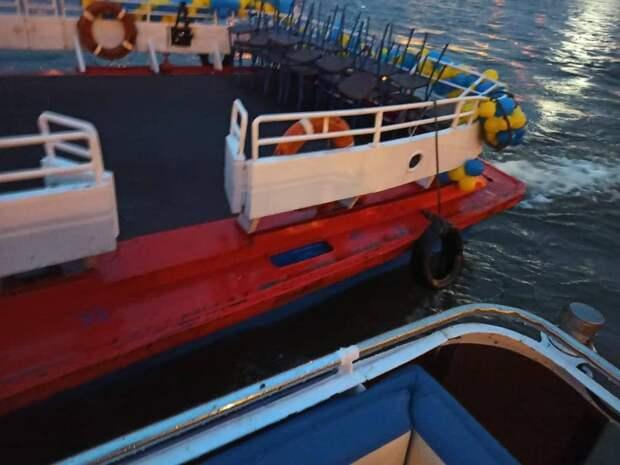 Капитан не удержал «Мастера» у Аничкова. Вместе с судовладельцем его ждут в транспортной прокуратуре