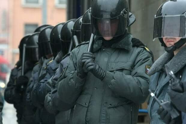 Зачем Навальный выводит 26 марта марш на Кремль