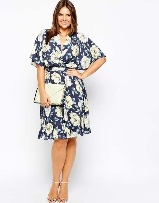 Еще один комплиментарный силуэт для крупных девушек — new look, а также платья с запахом