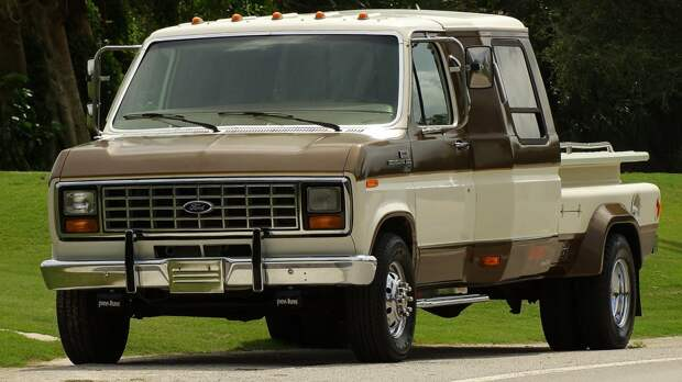 "Ford Е-series 1975-""Мохнатый Фургон"" из фильма ""Тупой и ещё тупее"""