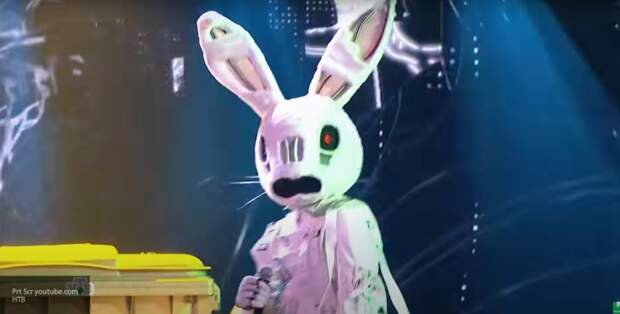 Зрители шоу «Маска» догадались, кто скрывается в костюме Зайца