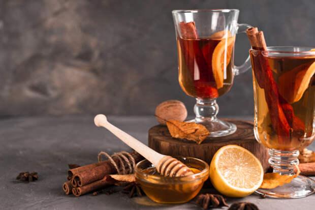 Не глинтвейном единым: 6 рецептов горячих напитков для зимних вечеров