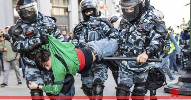 Кремль назвал недопустимым несоразмерное применение силы к протестующим