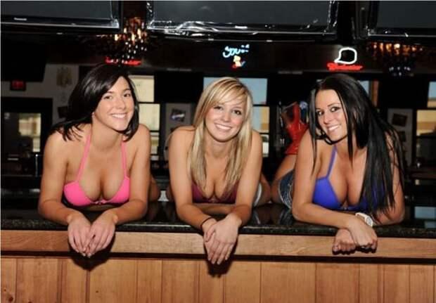 Сексуальные официантки (34 фото)