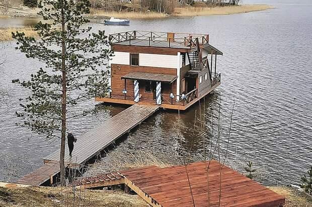 Россияне переселяются из городских квартир в дома на воде: каково это и сколько стоит