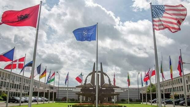 Синьхуа: существование НАТО лишено смысла