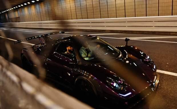 Крутой парень накрутых тачках: шикарная коллекция автомобилей гонщика Льюиса Хэмилтона