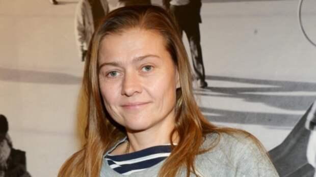Актриса Мария Голубкина показала фото из роддома с новорожденным