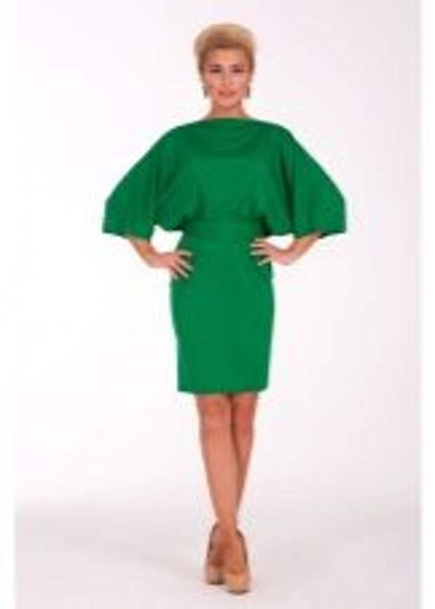 Платье с рукавом летучая мышь зеленое